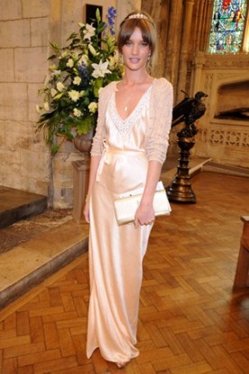 celebrity-wedding-guest-outfit-ideas-1