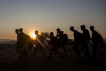 ap-refugees-or-migrants-debate-over-words-to-describe-crisis