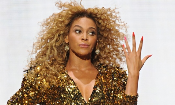 Beyonce single ladies Glastonbury