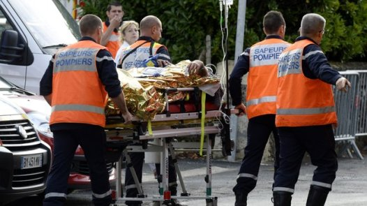 rescuers from frenchcar crash