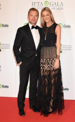 Guests attend The IFTA Awards 2015 at the Doubletree Hilton Hotel, Dublin, Ireland - 21.10.15. Pictures: Cathal Burke / G. McDonnell / VIPIRELAND.COM **IRISH RIGHTS ONLY** *** Local Caption *** Ronan Keating & Storm Uechtritz