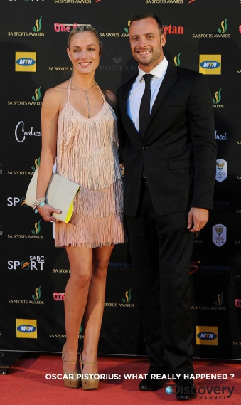 D3EA5E epa03584776 A picture made available on 15 February 2013 shows South African paralympic and Olympic sprinter, Oscar Pistorius (R) posing with his girlfriend, model Reeva Steenkamp (L) at the South African sports awards ceremony in Johannesburg 04 November 2012. Pistorius was arrested for the fatal shooting of his girlfriend Reeva Steenkamp at his Pretoria home in South Africa 14 February 2013. The circumstances around the shooting are still unclear. He will make an appearance in Pretoria court 15 February 2013. EPA/FRENNIE SHIVAMBU
