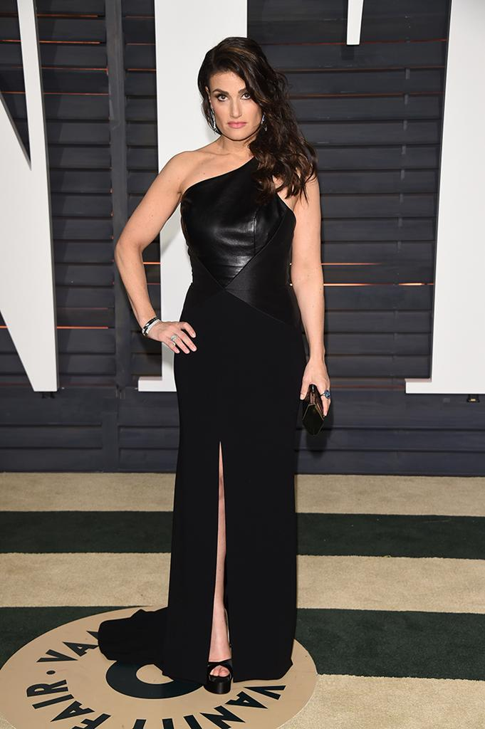 idina menzel at oscars party